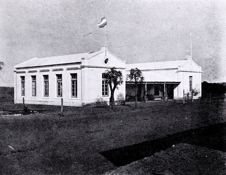 Argentina, Past and Present - The Bathing House : Colon (1914)