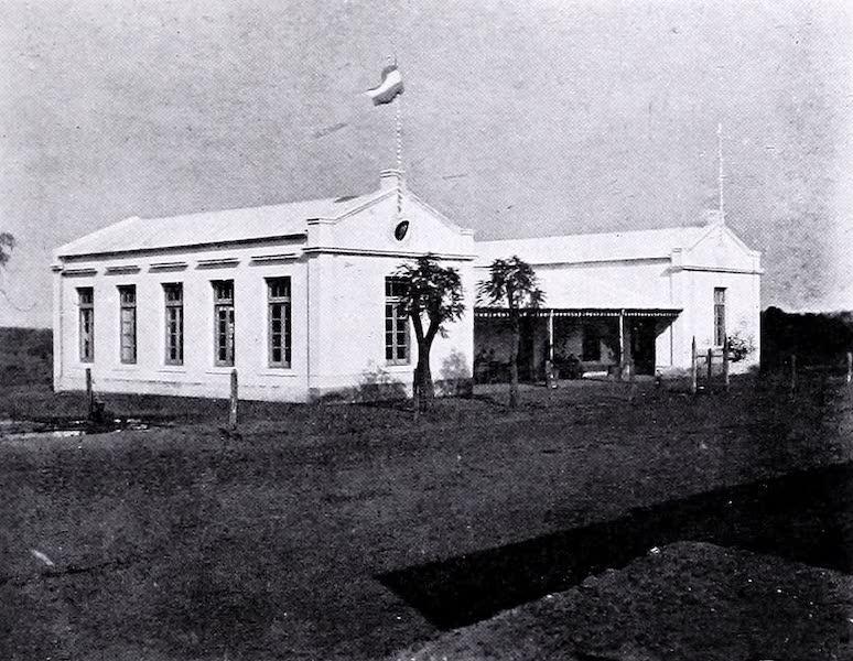 Lemco Schoolhouse : Colon