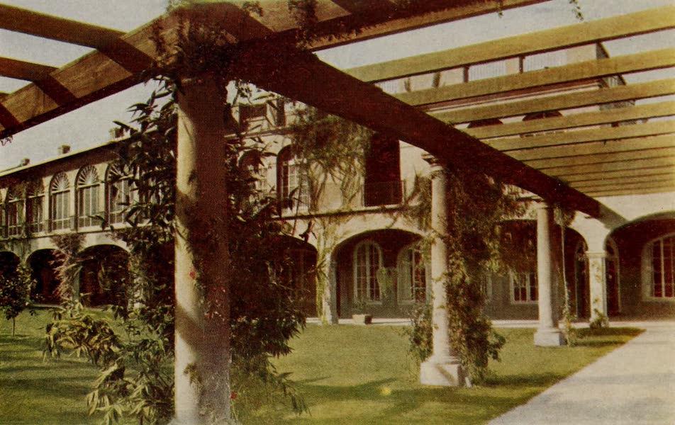 Arizona, The Wonderland - The Patio and Pergola, San Marcos Hotel, Chandler, Arizona (1917)