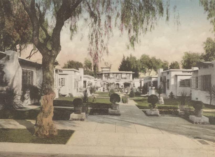 Beautiful Pasadena California - Alexandria Court (1920)