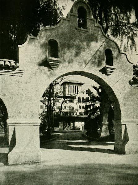 California the Wonderful - Glenwood Mission Inn (1914)