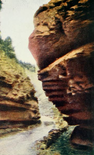 Colorado, The Queen Jewel of the Rockies - The Narrows, Williams Canyon  (1918)