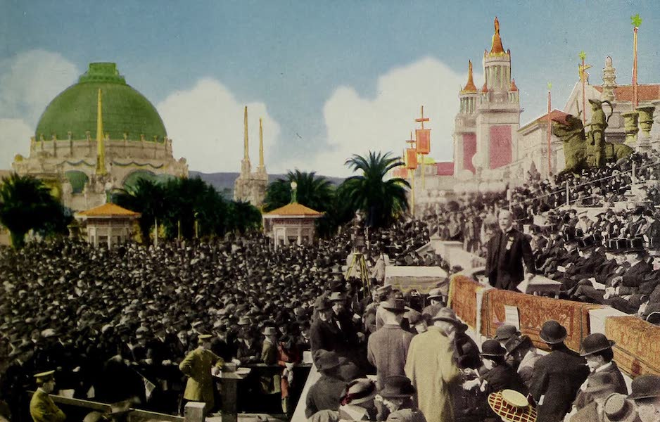 Colortypes of the Panama-Pacific International Exposition - An Exposition Audience, Great South Gardens (1915)