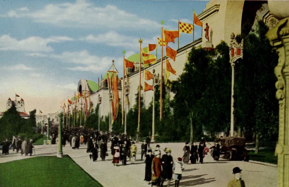 Colortypes of the Panama-Pacific International Exposition - Administration Avenue (1915)