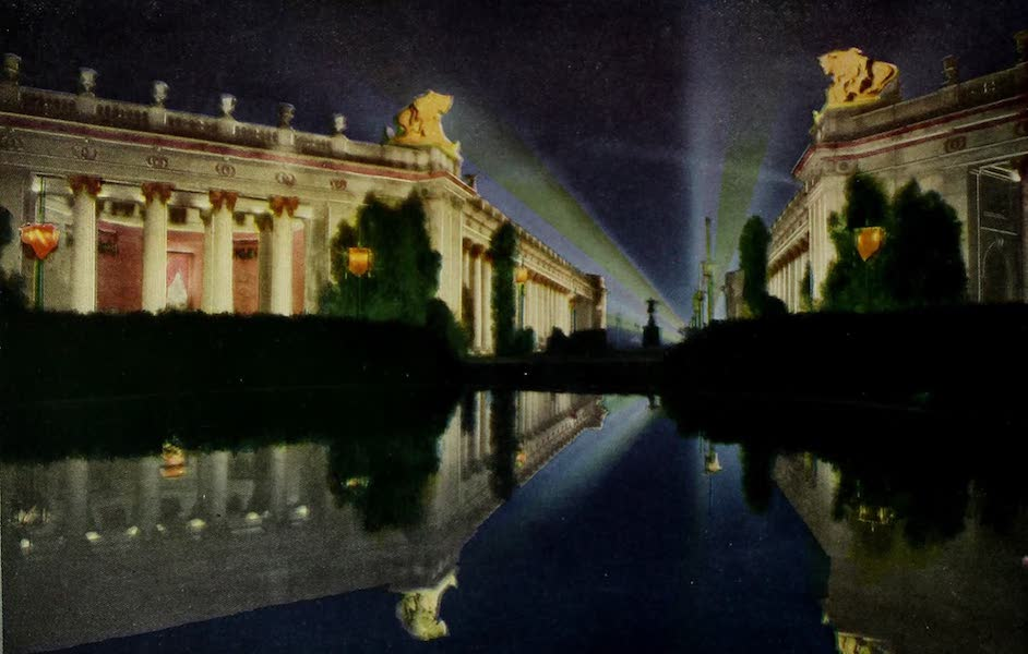 Colortypes of the Panama-Pacific International Exposition - Main Entrance Court of the Four Seasons - Illuminated (1915)