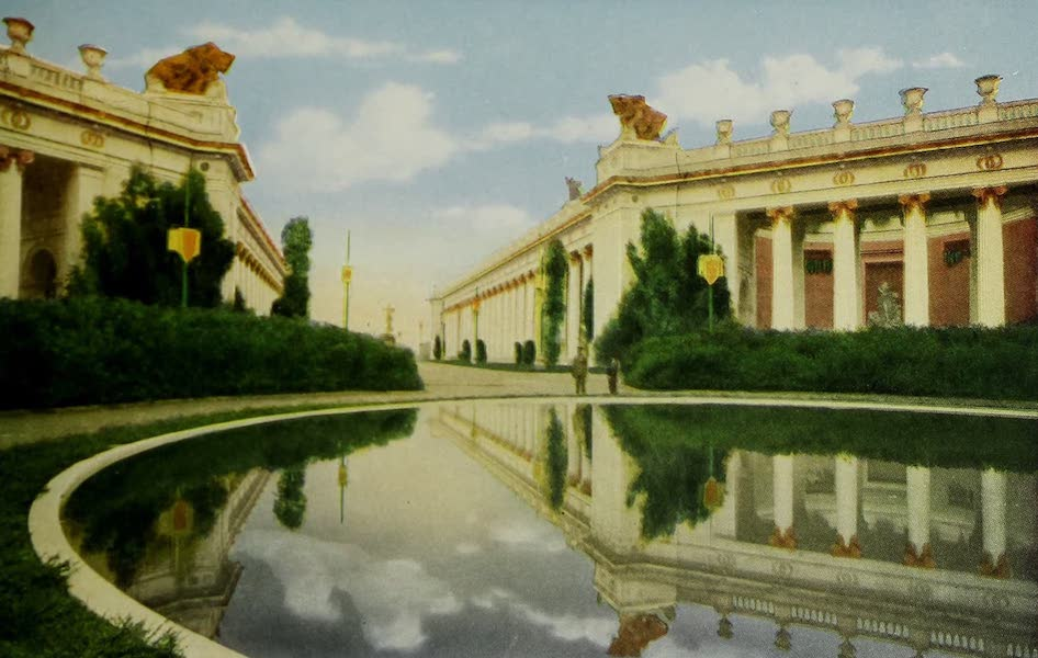 Colortypes of the Panama-Pacific International Exposition - Main Entrance Court of the Four Seasons (1915)