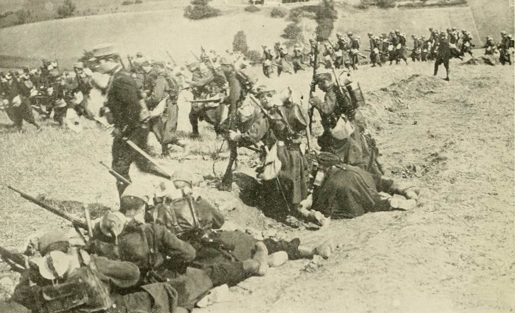 Laird & Lee's World's War Glimpses - French Skirmishers Advancing for a Flank Attack (1914)