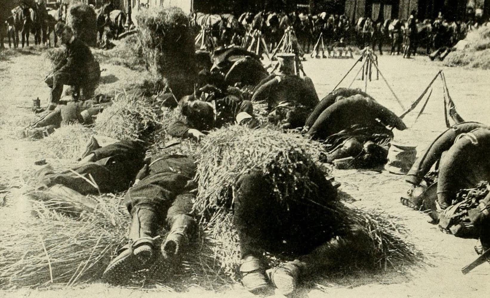 Laird & Lee's World's War Glimpses - French Bivouacked in Streets of Paris (1914)