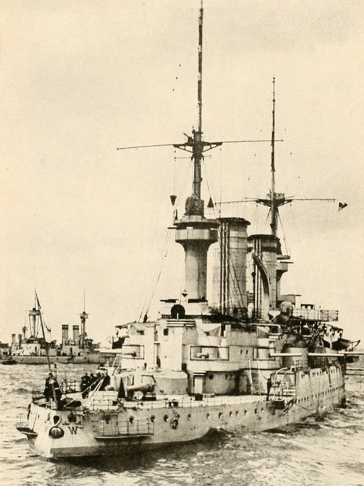 Laird & Lee's World's War Glimpses - German Battleships in the North Sea (1914)