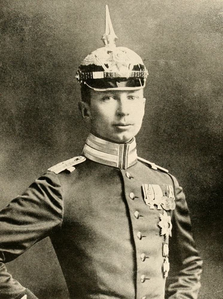 Laird & Lee's World's War Glimpses - German Prince Oscar, With German Army (1914)