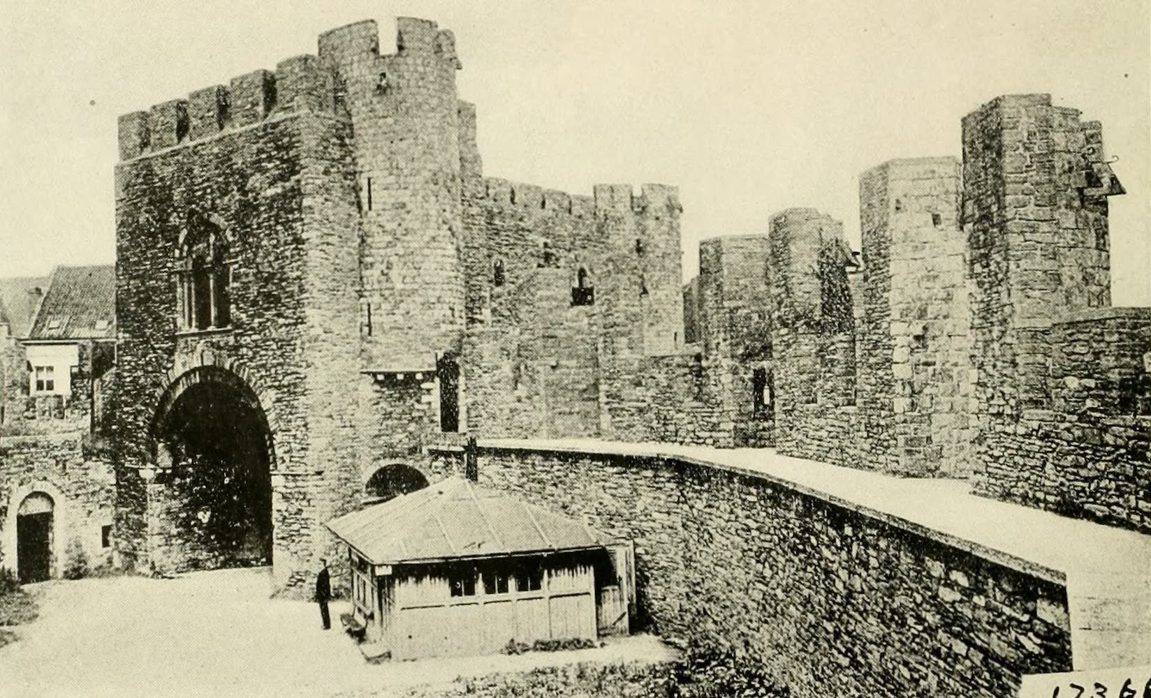 Laird & Lee's World's War Glimpses - Fortified Battlements at Ghent (1914)