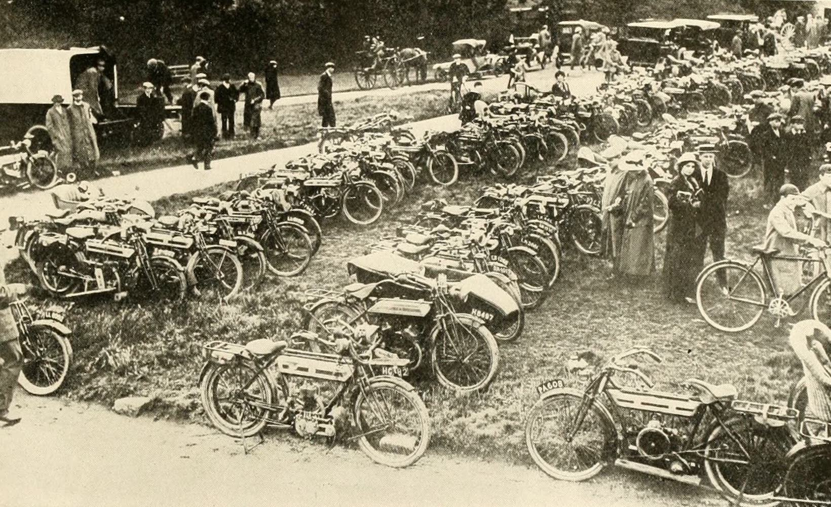 Laird & Lee's World's War Glimpses - The Great Rally of Motorcyclists (1914)