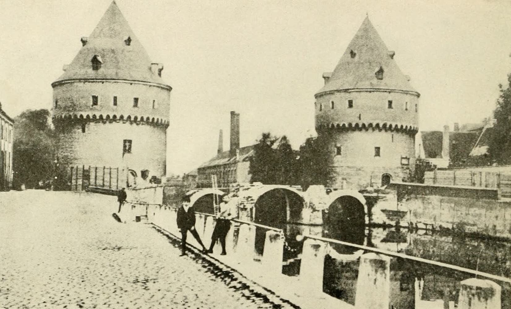 Laird & Lee's World's War Glimpses - Strongly Fortified Ancient Belgian Citadel (1914)