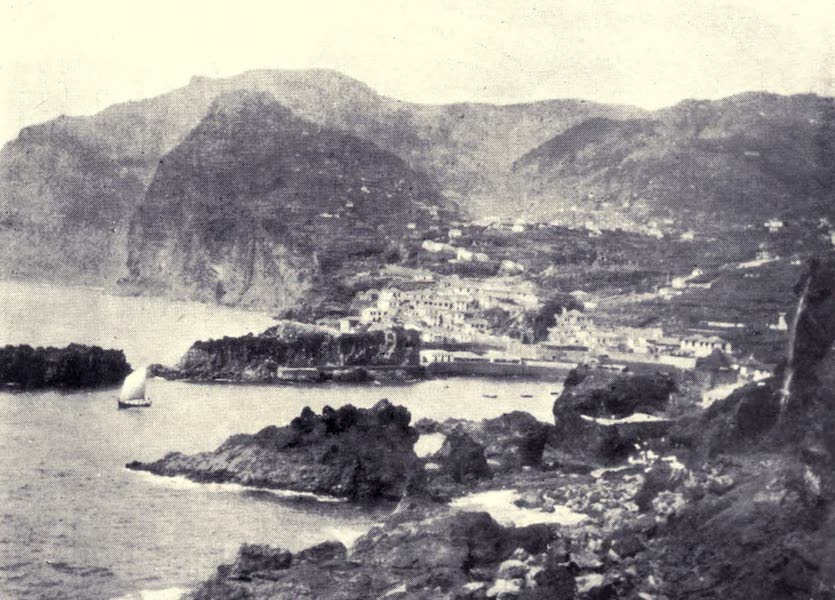 Madeira : Old and New - Fishing Village of Cama de Lobos (1909)