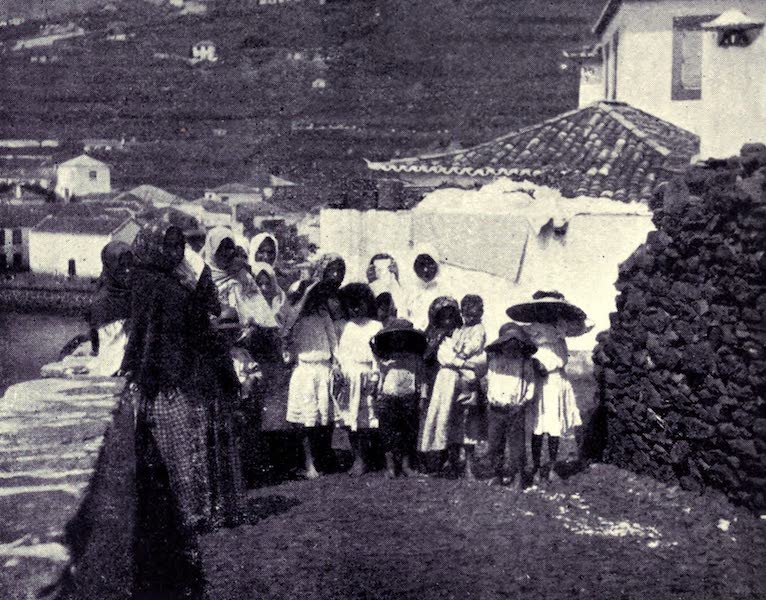 Madeira : Old and New - Fishermen's Wives and Children (1909)