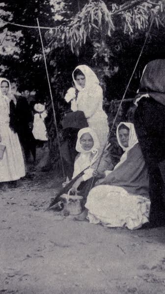 Madeira : Old and New - Peasants Resting by the Wayside (1909)