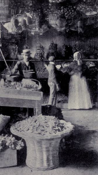 Madeira : Old and New - A Fruit Shop : Funchal (1909)
