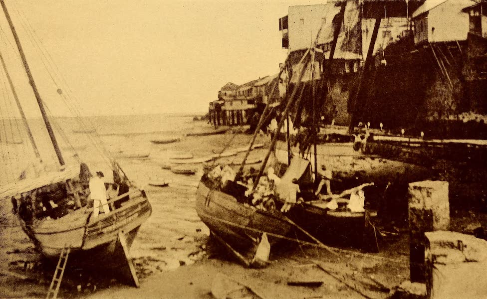 Old Panama and Castilla del Oro - Sea-wall of Panama at low tide (1911)