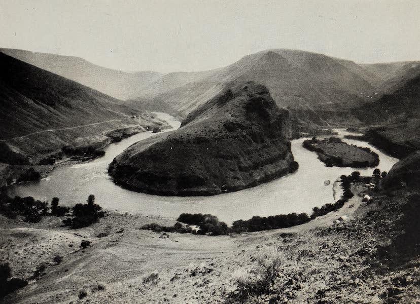 Oregon, the Picturesque - Or Bon Deschutes River Canyon (1917)