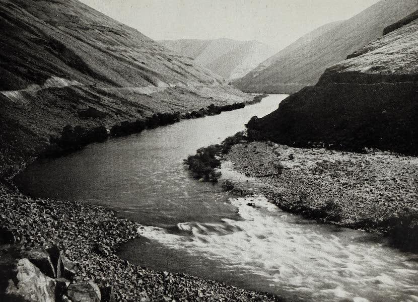 Oregon, the Picturesque - The Deschutes River Canyon (1917)