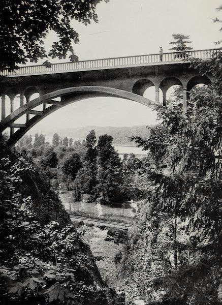 Oregon, the Picturesque - Shepperd's Dell Bridge, Columbia River Highway (1917)