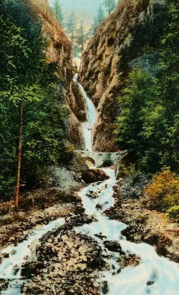Oregon's Famous Columbia River Highway - Wah-Kee-Na Falls (1920)