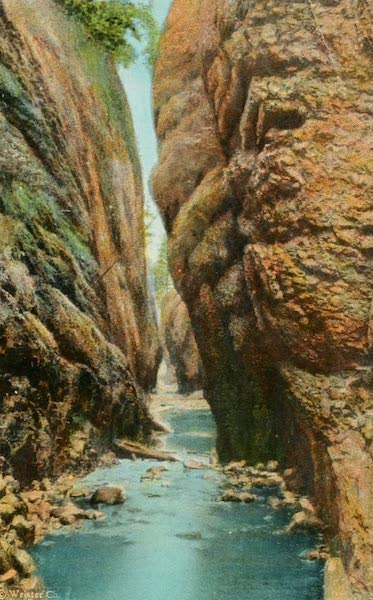 Oregon's Famous Columbia River Highway - Oneonta Gorge (1920)