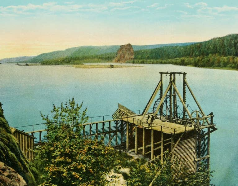 Oregon's Famous Columbia River Highway - Salmon Wheel on the Columbia River (1920)