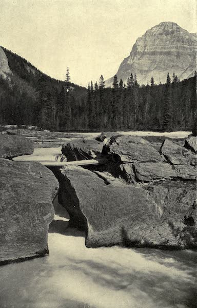 Pioneers in Canada - The Upper Waters of the Fraser River (1912)