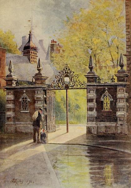Relics & Memorials of London City - Lincoln's Inn Gateway (1910)