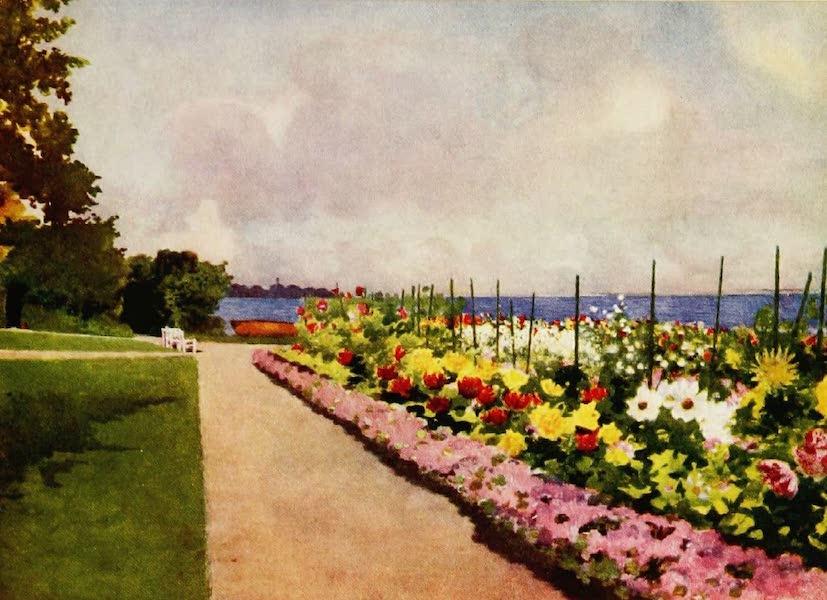 Royal Palaces and Gardens - The Garden by the Sea, Villa Hvidore (1916)