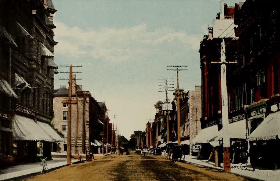 Souvenir of Brockville, Ont. - King Street, looking East (1910)