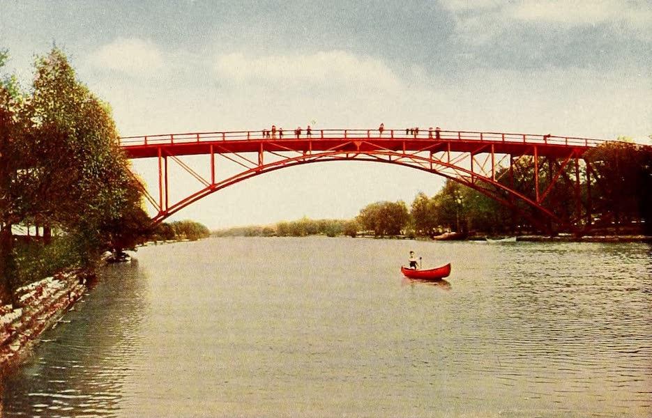 Souvenir of Chicago in Colors - High Bridge, Lincoln Park (1910)