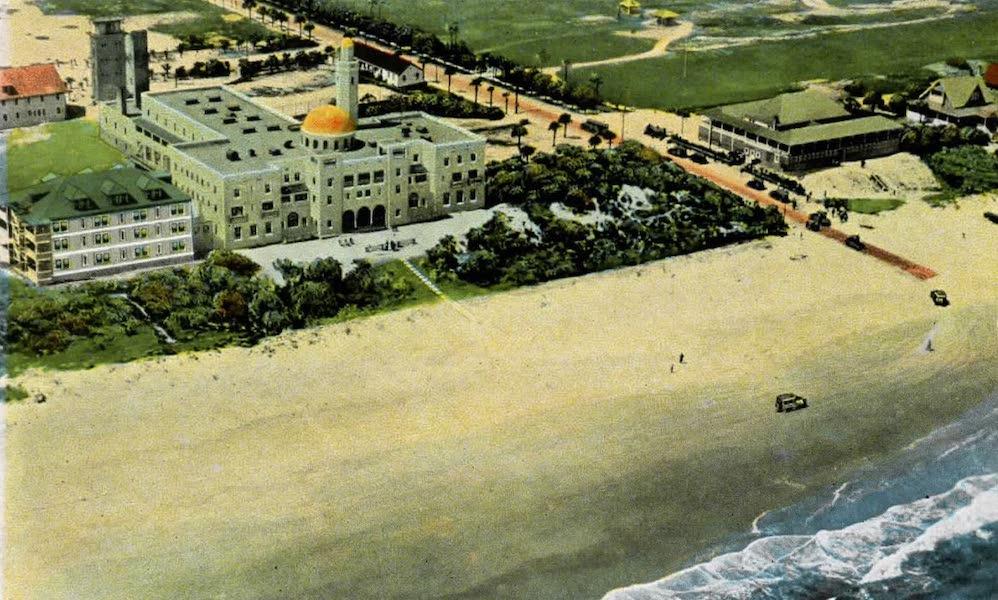 Souvenir of Daytona and Daytona Beach, Florida - Bird's Eye View of Hotel Coquina and Atlantic Water Front, Ormond Beach (1917)