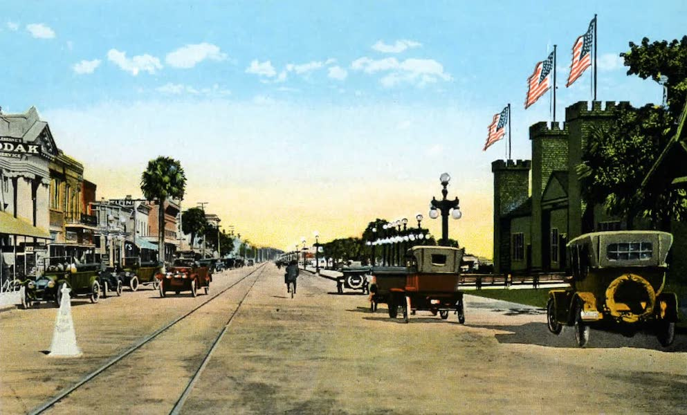 Souvenir of Daytona and Daytona Beach, Florida - Casino Burgoyne and Business Section, Beach Street, Daytona (1917)