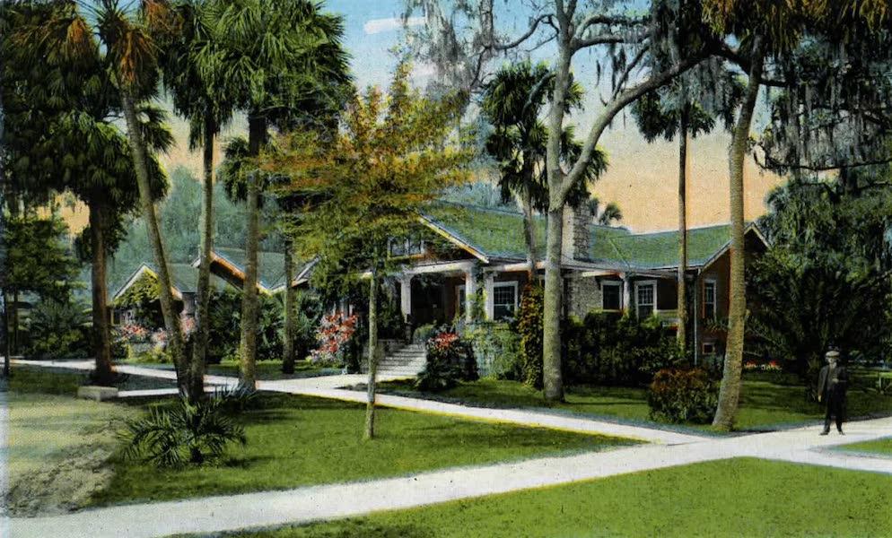 Souvenir of Daytona and Daytona Beach, Florida - Snyder's Bungalows, Daytona (1917)