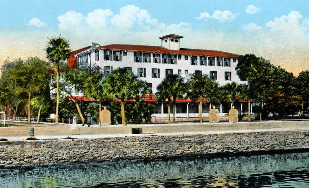 Souvenir of Daytona and Daytona Beach, Florida - Prince George Hotel, Daytona (1917)