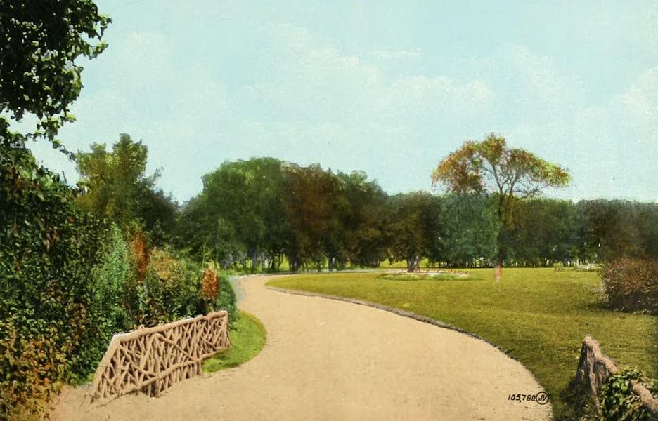 Souvenir of Winnipeg-Manitoba - Drive in City Park (1911)