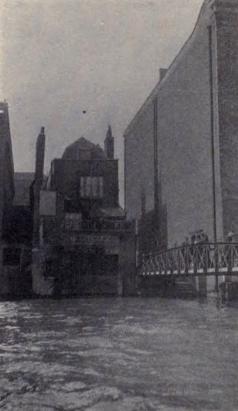 The Book of Buried Treasure - The Pirates' Stairs leading to the site of Execution Dock at Wapping where Kidd was hanged (1911)