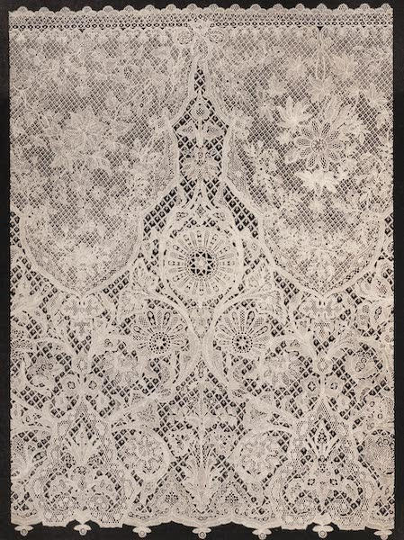 The Industrial Arts of the Nineteenth Century Vol. 2 - Specimens of Honiton Lace by Mrs. Treadwin, Exeter (1851)