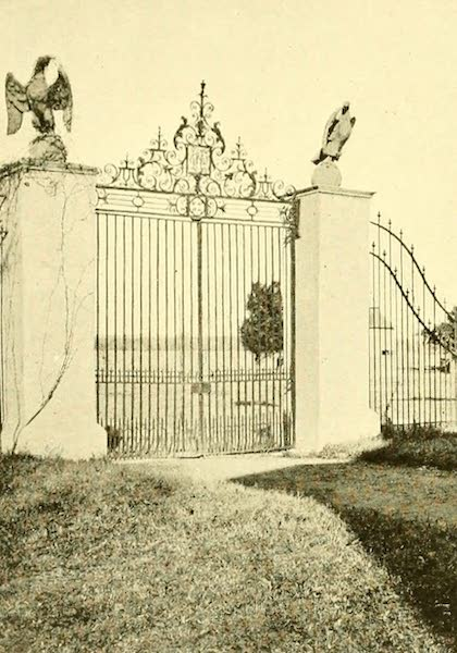 Virginia: the Old Dominion - The Colonial Courtyard Gates (1921)