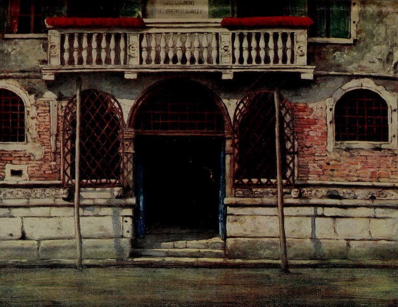 World Pictures : Being a Record in Colour - A Doorway, Venice (1902)